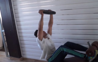 Weighted Long Arm Crunch